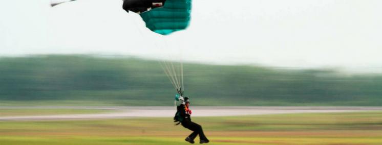 destacada_prioridades_del_aterrizaje_maxine_tate_blog_de_paracaidismo_vivir_en_las_nubes