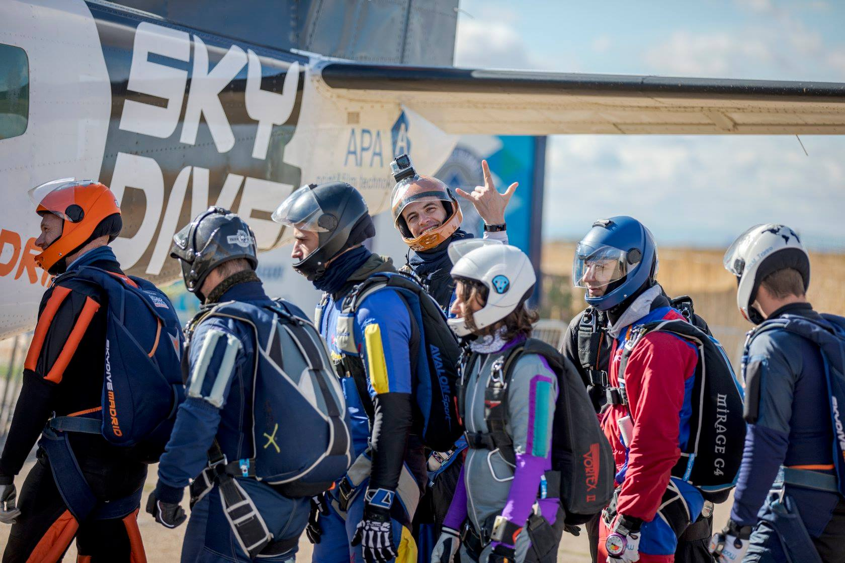 skydiving_helmets
