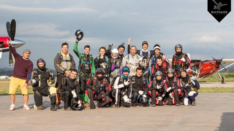 saltamos_festival_paracaidismo_barcelona_record_nacional_skydive