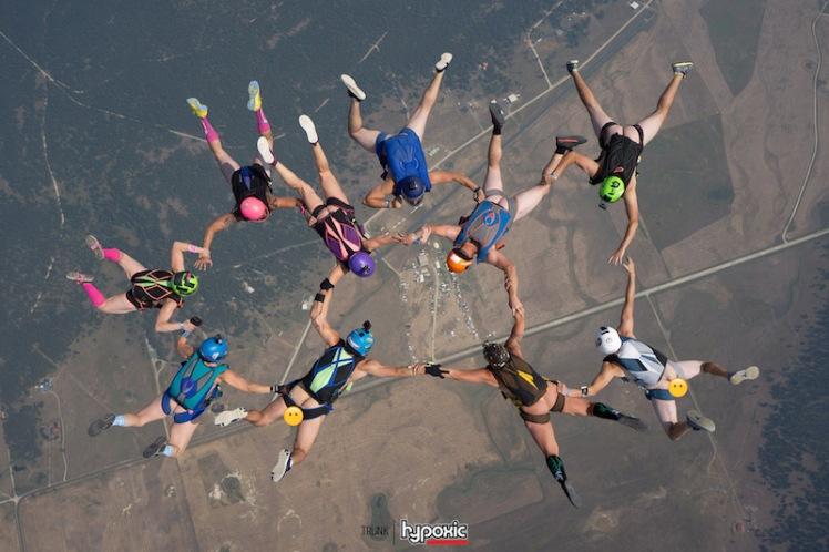 naked_skydive_jump