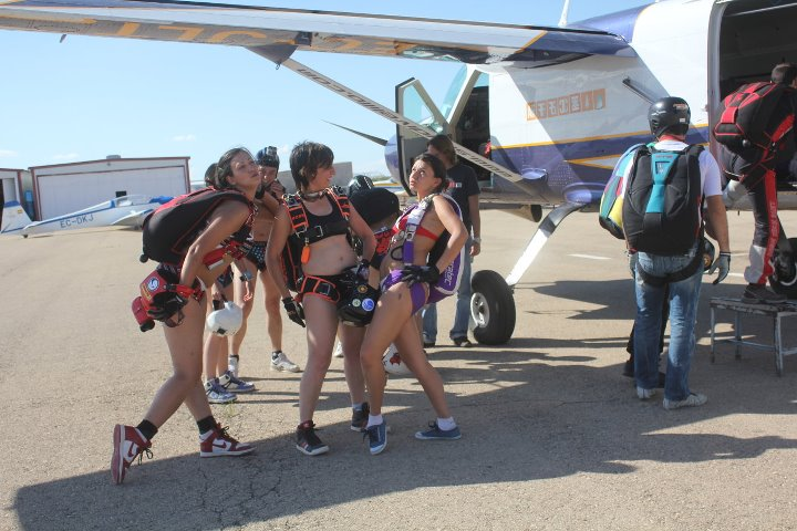 naked_skydiving_skydive_lillo