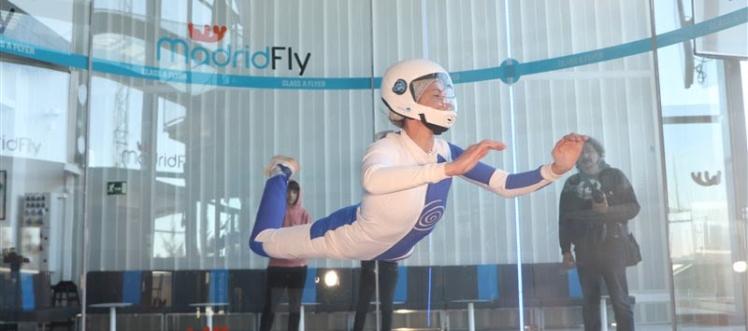 """posición de vuelo """"mantis"""""""