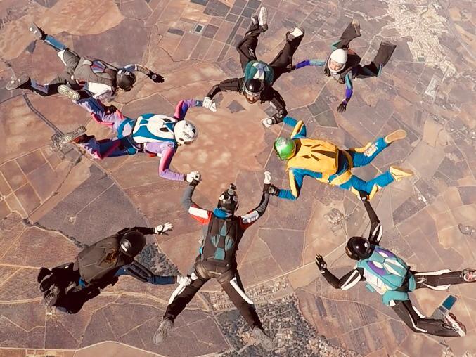 record_nacional_de_paracaidismo_femenino_skydive_spain_blog_vivir_en_las_nubes (1)